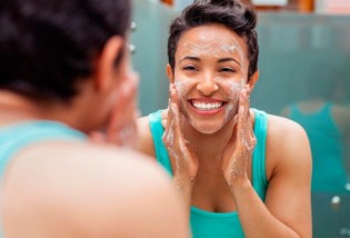LADIES! 10 Beauty Tips and Tricks!