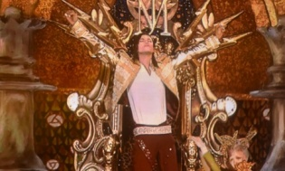 Michael Jackson's Hologram Performs At Billboard Awards (Video)