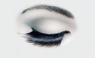 Beauty eye shot