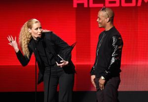 2014 American Music Awards - Roaming Show