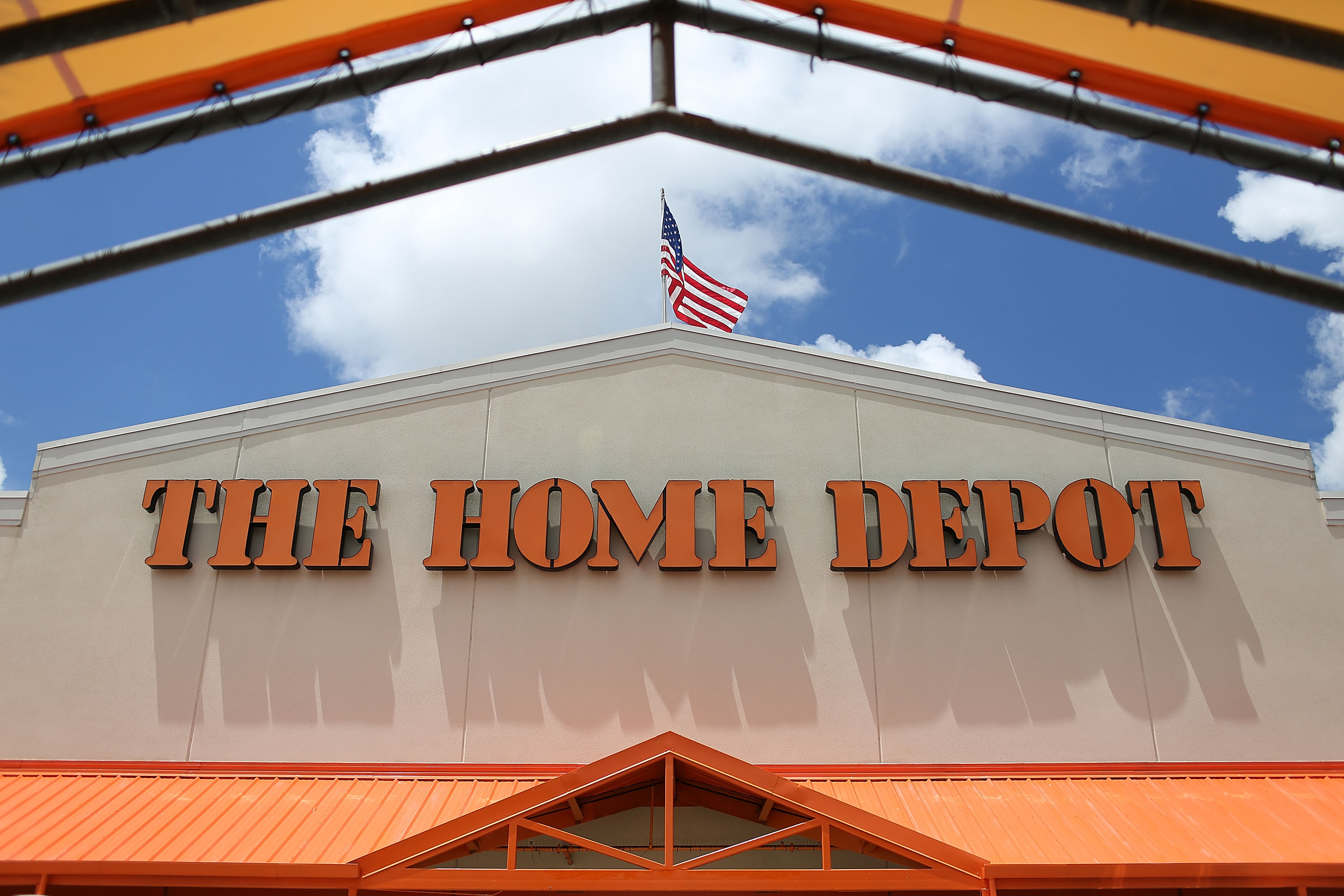 Home Depot Posts Quarterly Earnings That Met Wall Street's Expectations