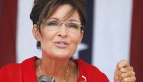 Sarah Palin Speaks At Tea Party Gathering In Michigan